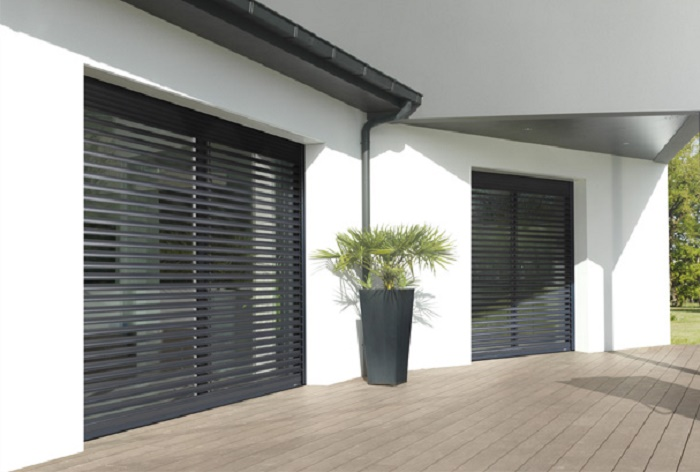 brise soleil ou volets roulants pour v randa comment. Black Bedroom Furniture Sets. Home Design Ideas